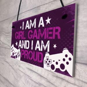 I AM A GIRL GAMER